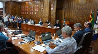 Vereadores em sessão