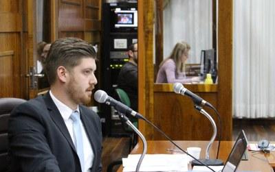 Vereador Alef Assolini presidiu a sessão