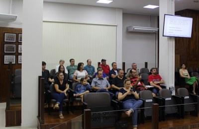 Familiares de Arthur Danieli acompanharam a sessão