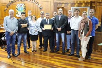 ex-Delegado Leonidas Augusto Costa Reis e vereadores