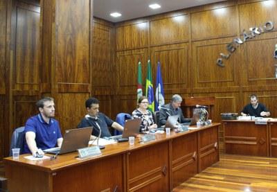 Vereadores durante a sessão Maio/2019